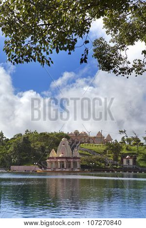 lake Grand Bassin - hindu temples of Mauritius