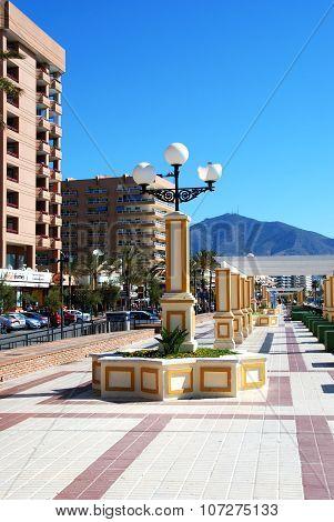 View along Fuengirola promenade.