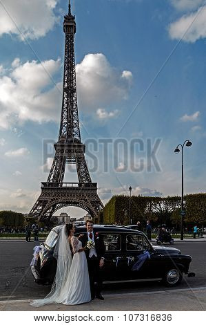 Couple Of Newlyweds In Paris 1