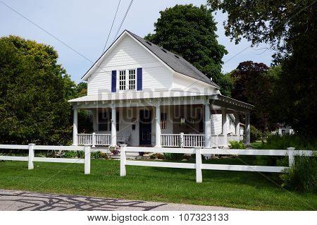 White Harbor Springs Home