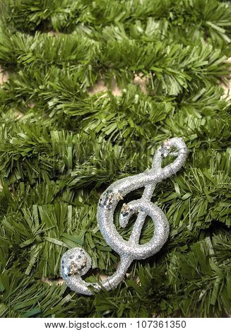 Christmas treble clef on tinsel