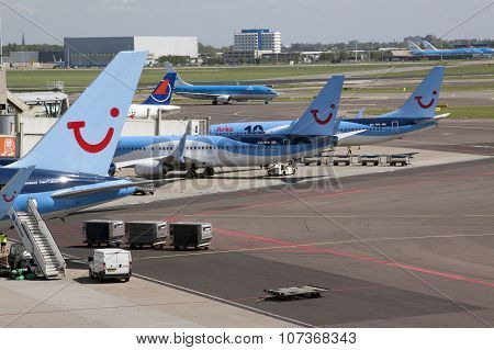Airplanes Of Arke And Tui