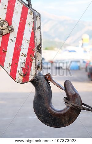 The image of a crane hook