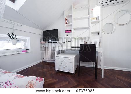 Modern Room In Loft Apartment