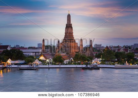 Wat Arun Temple river front view