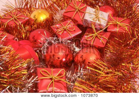 Christmas Presents 2-2