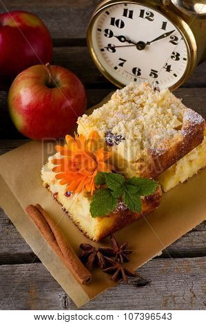 Applie Pie With Spice And Few Apples