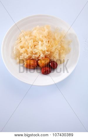 snow jelly fungus chinese traditional medicine with red dates for health