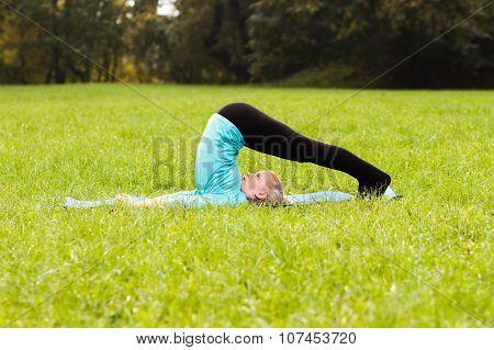 Yoga-Halasana/Plow pose