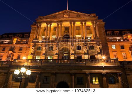 Bank Of England at night