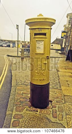 Gold Postbox