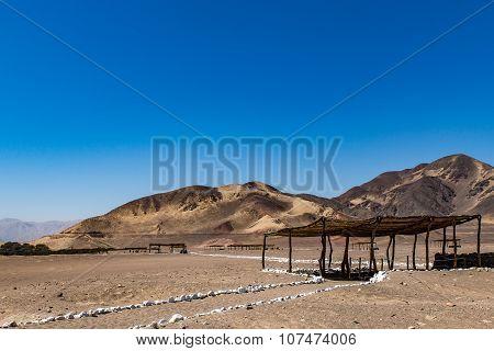 Mummie burrial in the desert of Peru