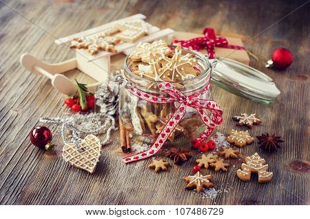Christmas Gingerbread Cookies, Festive Rustic Table Decoration