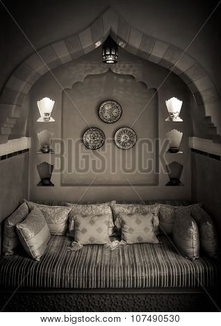 Moroccan Living-room Interior Design In Black&white