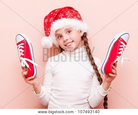 Irl With Gumshoes And Santa Claus Hat
