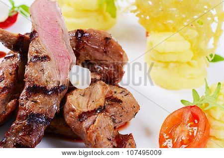 Tenderloin Of Veal With Sauce Figs