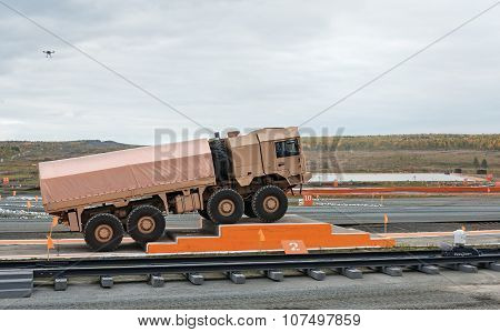 Freight Military Vehicle Mzkt-600201