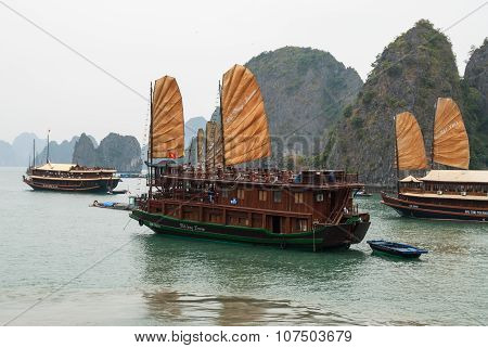 Touristic Ships In Vietnam