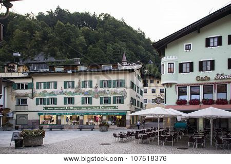 BERCHTESGADEN, GERMANY - AUGUST 13, 2015: Shops and cafes in the inner city of Berchtesgaden with beautiful facades and drawings