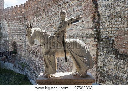 Statue Of Knight At Old Bridge In Verona  - Castelvecchio