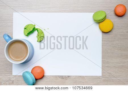 Macarons breakfast frame