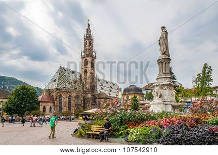 Walther Place With Cathedral In Bolzano