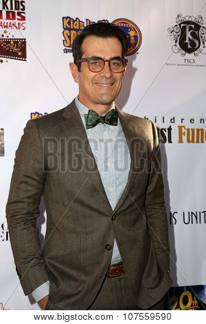 LOS ANGELES - NOV 7:  Ty Burrell at the Kids In The Spotlight's Movies By Kids, For Kids Film Awards at the Fox Studios on November 7, 2015 in Century City, CA
