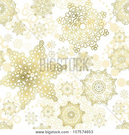 Seamless Cristmas background. Vector  New Year pattern. Gold snowflakes on the green backdrop.
