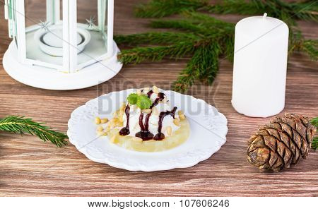 Ice Cream With Pine Nuts