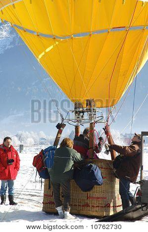 Bp Gas Balloon Trophy 2010