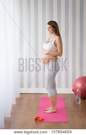 Young Mother Preparing For Labour