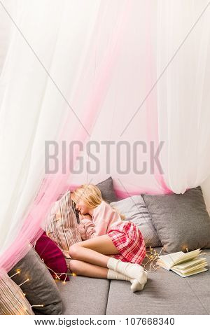 Cosy Sleeping Area With Canopy