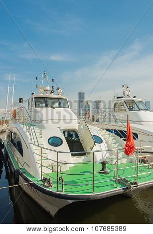 Ferryboats Are At Dock At Tianjin The Bun Garden.