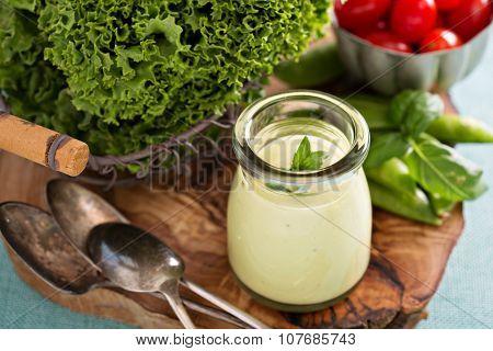 Creamy vegan avocado sauce