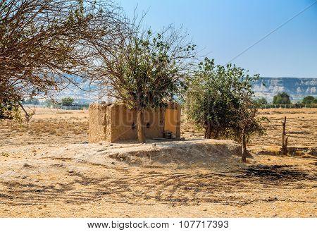 Iraqi cottage in desert