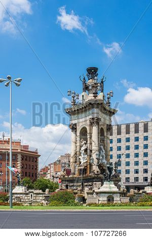Fountain Of Plaza D'espanya Or Spain Square.