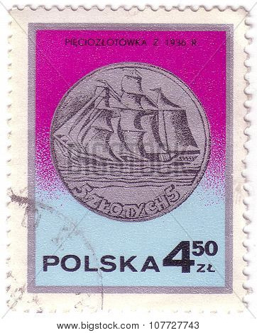 Poland - Circa 1977: A Stamp Printed By Poland Shows Vessel, Circa 1977