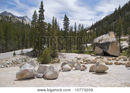 Tioga Road at Olsted Point, Yosemite
