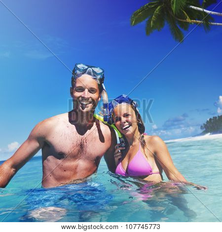 Couple Scuba Gear Paradise Summer Vacation Concept