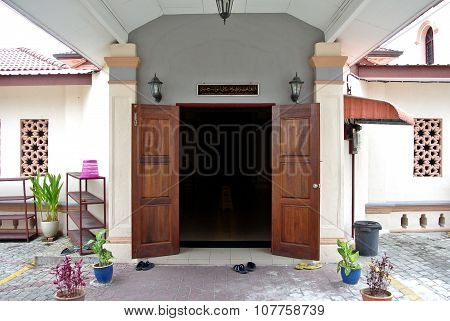 Entrance of Kampung Paloh Mosque in Ipoh, Malaysia