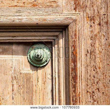 Knocker In A  Door Curch  Closed  Lombardy Italy  Varese Lonate Pozzolo