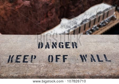 danger keep off wall sign letters