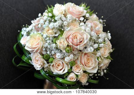 Pretty Bridal Bouquet With Fresh Roses
