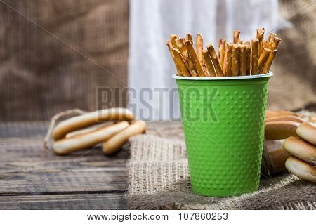 Disposable Green Cup With Straws