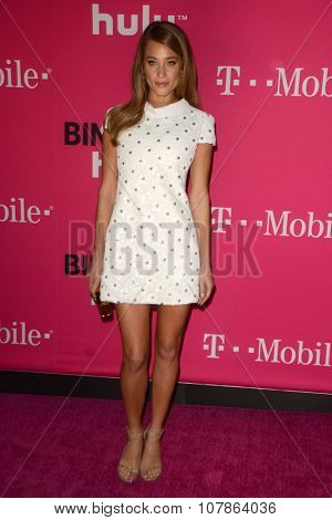 LOS ANGELES - NOV 10:  Hannah Davis at the T-Mobile Un-carrier X Launch Celebration at the Shrine Auditorium on November 10, 2015 in Los Angeles, CA