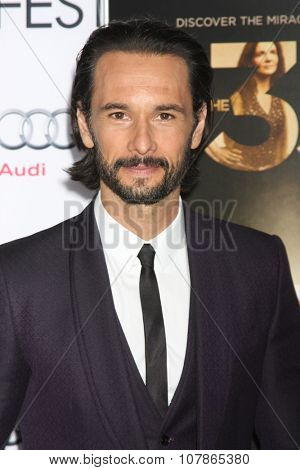 LOS ANGELES - NOV 9:  Rodrigo Santoro at the AFI Fest 2015 Presented by Audi -