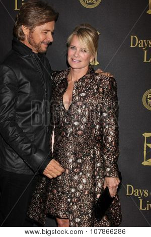 LOS ANGELES - NOV 7:  Stephen Nichols, Mary Beth Evans at the Days of Our Lives 50th Anniversary Party at the Hollywood Palladium on November 7, 2015 in Los Angeles, CA