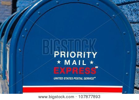 Priority Mail Express Mailbox