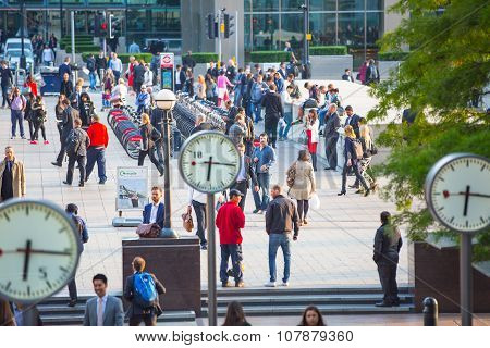 Office workers going home after working day in Canary Wharf. Business life of London
