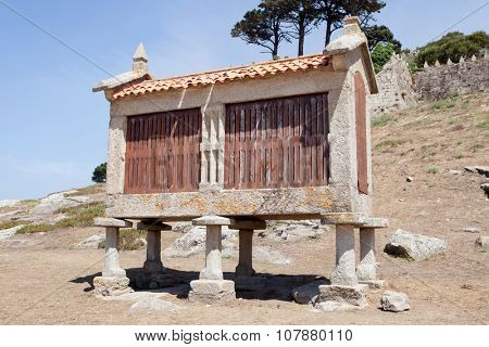 Traditional structure in northwestern Spain to save the wheat